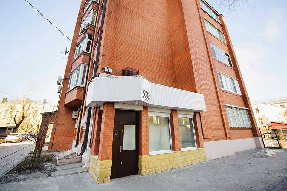 vhod-v-hostel-voronezh-na-komissarzhevskoy