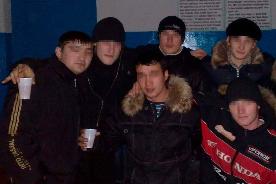 brodyagi-krug-obshcheniya-na-ulice
